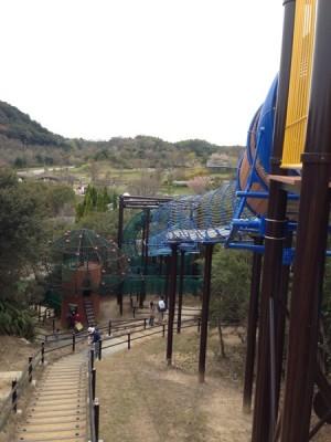 巨大滑り台で子供も大喜びの兵庫県立淡路島公園