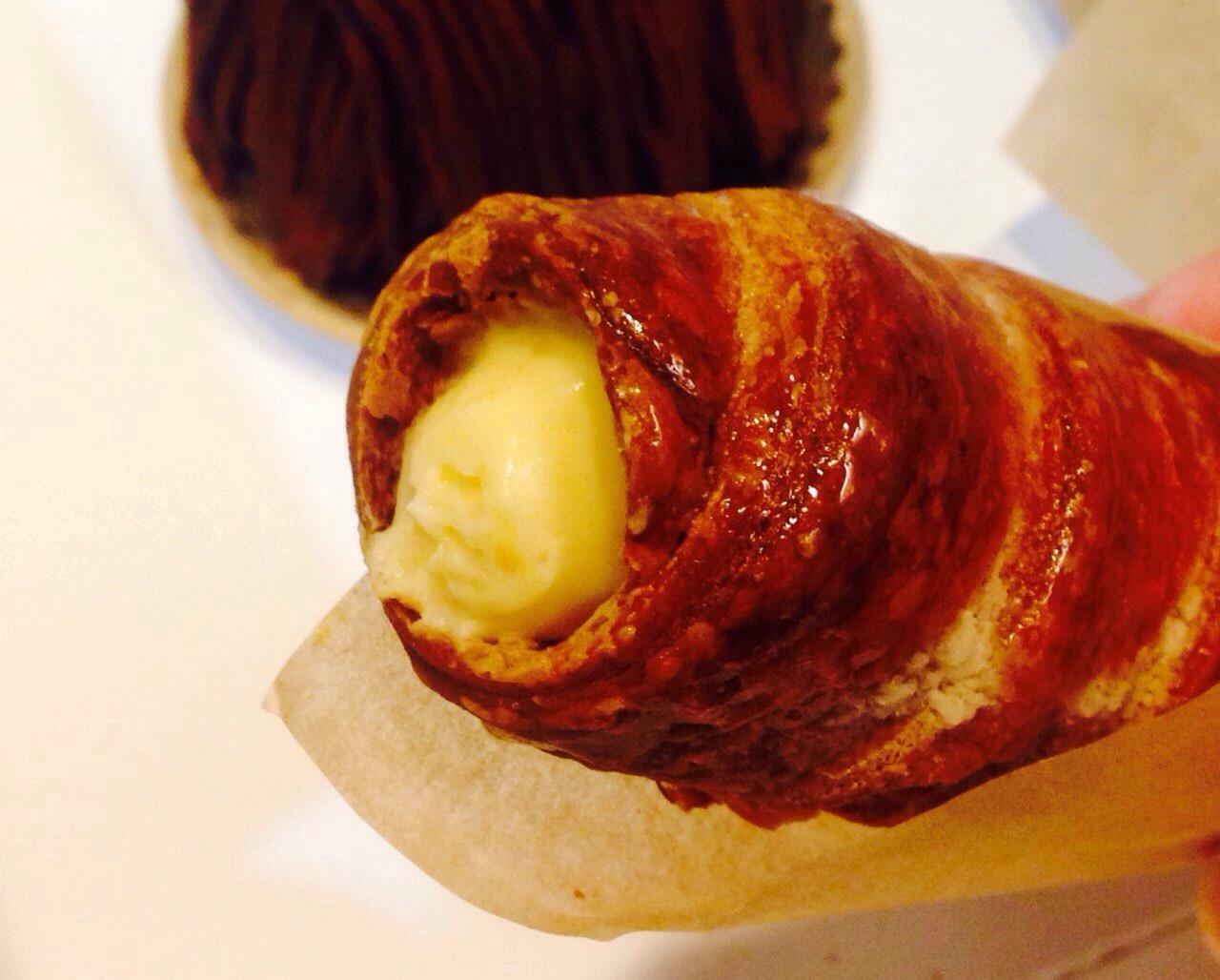 【岡山の手土産】アンフルールの「蒜山ジャージーコルネ」注文後にクリームを詰めるこだわりの逸品