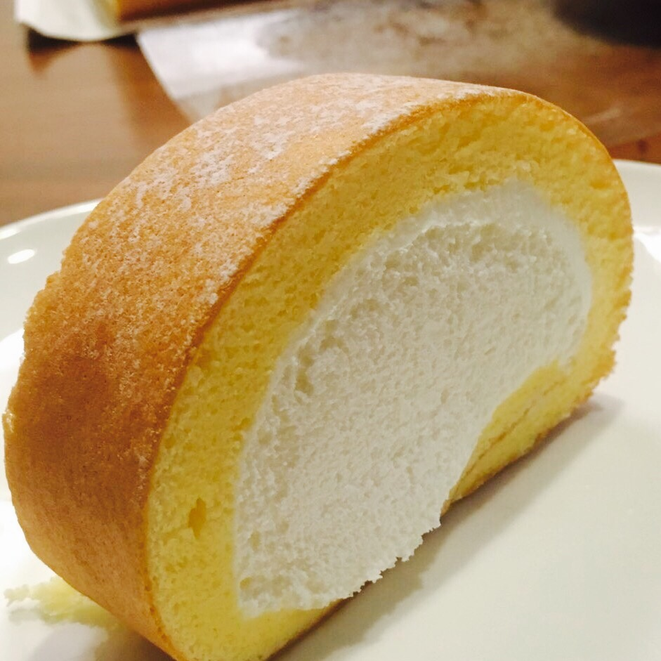 【新大阪駅】お土産スイーツの定番「堂島ロール」が美味しすぎる!人気なのも納得!