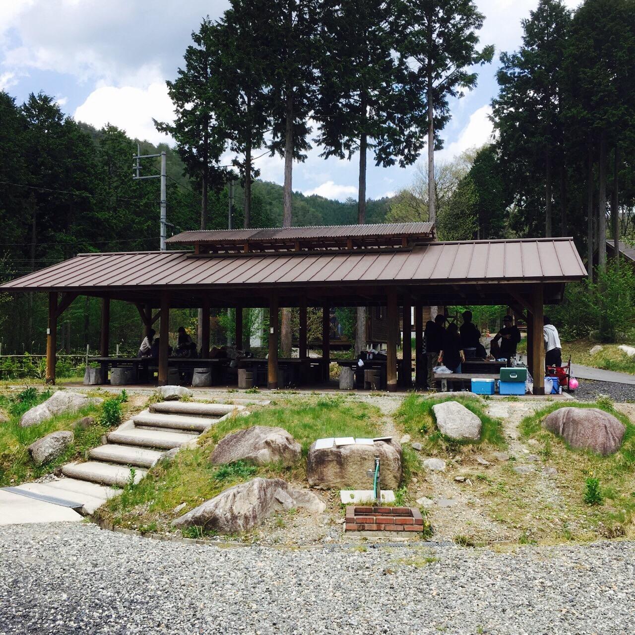 津山から北へ1時間「黒木キャンプ場」は何と花火OK・ペット連れOKです