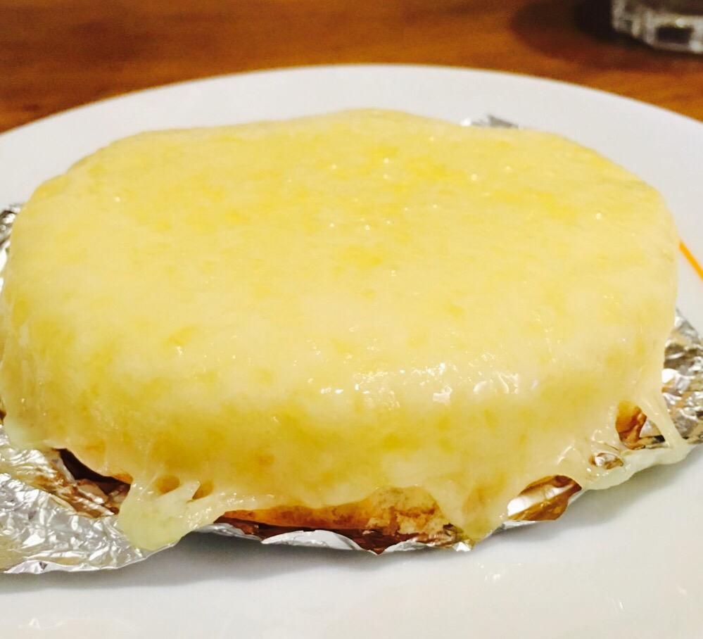 【新大阪】観音屋の「あつあつチーズケーキ」デンマークチーズを使った不思議な食感