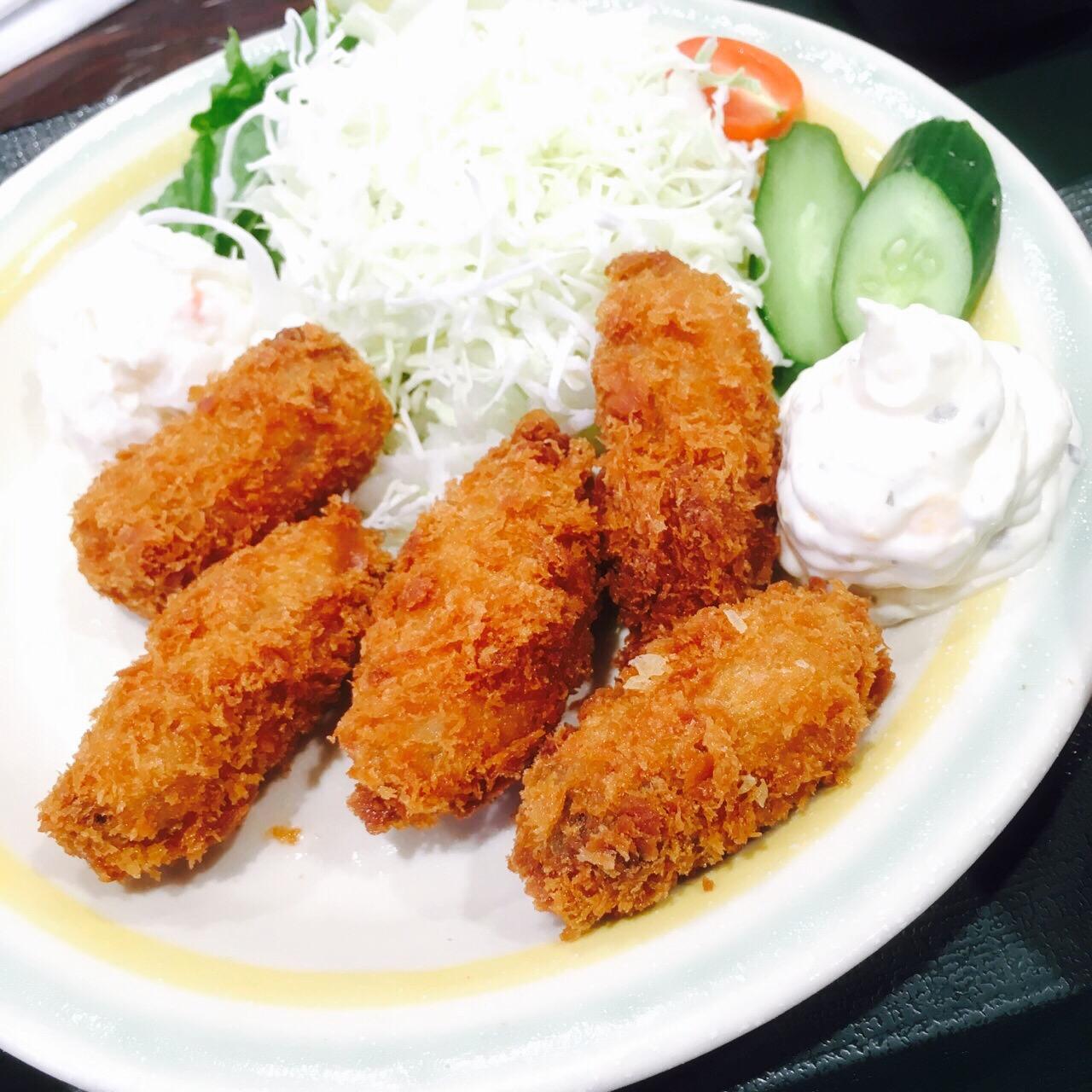【岡山】日生のスーパー併設の魚市場で食べる海鮮丼やカキフライ定食が絶品!