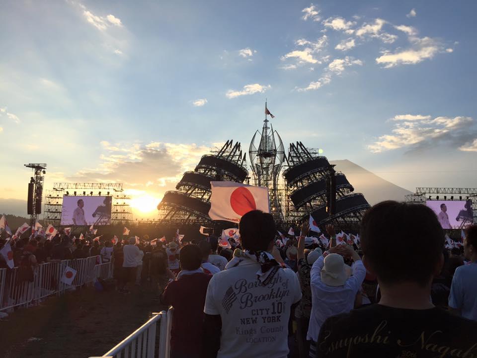 話のネタに行ってみたかった、と言うと怒られそうですが…長渕剛の富士山麓オールナイトライブ