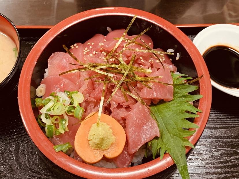 岡山中央卸売市場のふくふく通りで海鮮丼なら「春夏秋冬」クオリティの高い定食屋