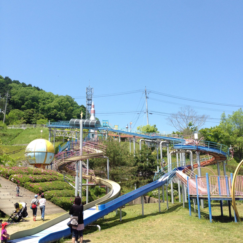 岡山県最大級の巨大滑り台!美咲町中央総合運動公園が家族連れにオススメ。