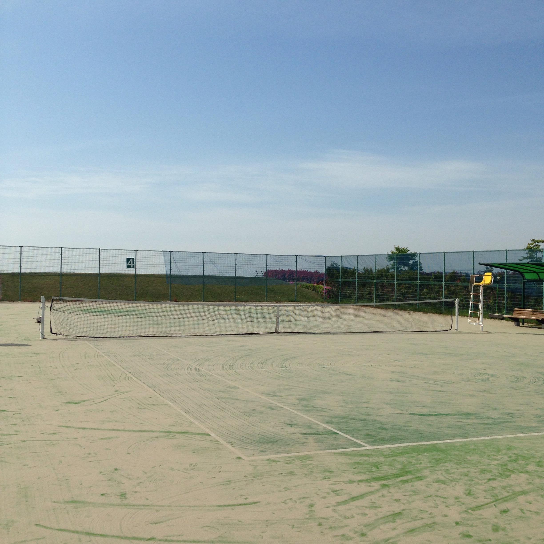 岡山のオススメテニスコート。ラケットのレンタル有り!岡山空港すぐ「日応寺自然の森スポーツ広場」