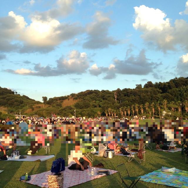 岡山のベスト花火!「あさくち寄島花火大会」が視界良好で迫力満点。寝転んで見える!